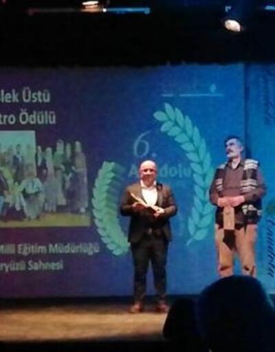 Foça yeryüzü sahnesi oyuncularına Anadolu Tiyatro ödülü