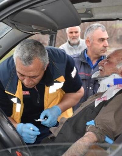 Kırıkkale'de hafif ticari araç kamyonla çarpıştı: 9 yaralı