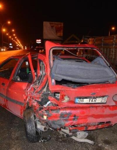 TIR, kırmızı ışıkta bekleyen otomobillere çarptı: 5 yaralı