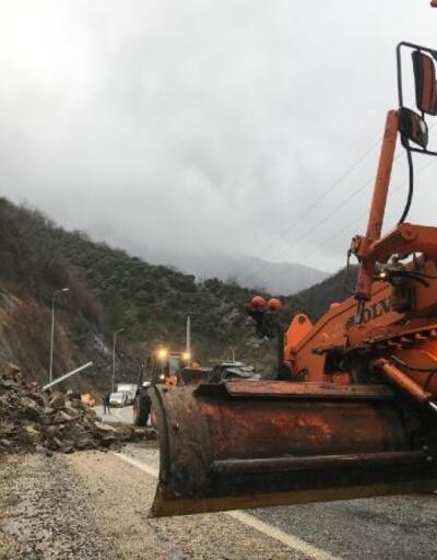 Karabük- Zonguldak yolunda heyelan