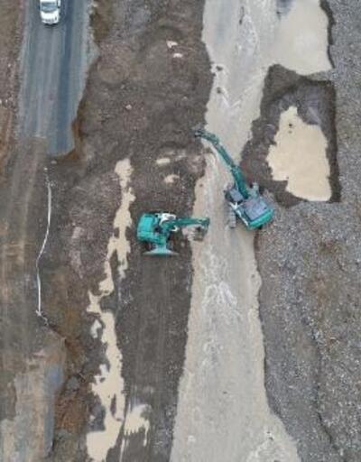 Pozantı'da sel nedeniyle yol çöktü