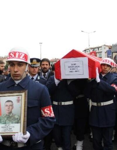 Şehit Er Özgür Çelik, Kayseri'de son yolculuğuna uğurlandı