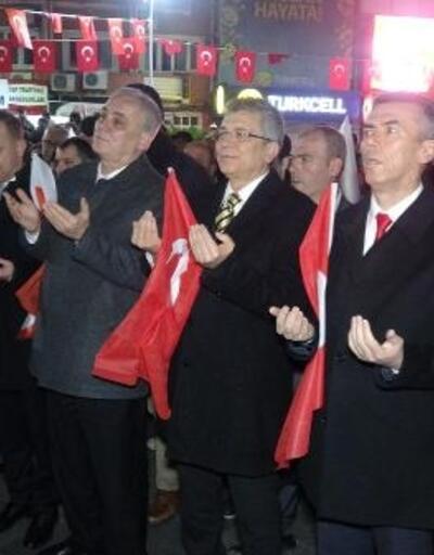 Edremit'te 'Bayrağa saygı'yürüyüşü düzenlendi