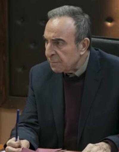 Arka Sokaklar full İZLE: Arka Sokaklar'da Rıza Baba istifa mı ediyor