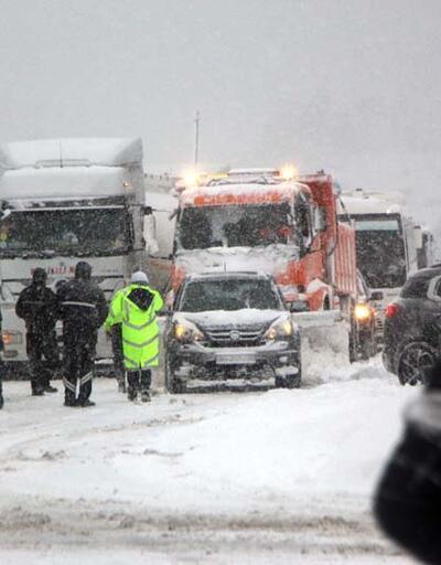 İstanbul yönü ulaşıma kapandı!