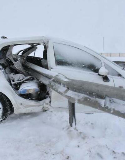 Bariyer aracın arka kapısından girdi: 1 ölü, 3 yaralı