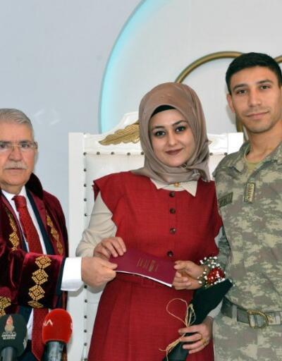 Barış Pınarı Harekatı'nda görev yapan asker 14 Şubat'ta evlendi