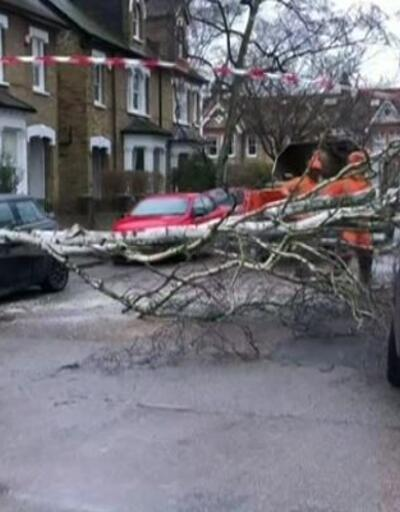 İngiltere'de fırtına alarmı
