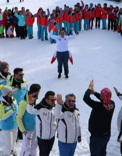 Kahraman kayakçı Türkiye'ye döndü