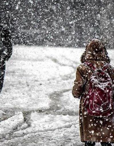Hakkari'de eğitime kar engeli!