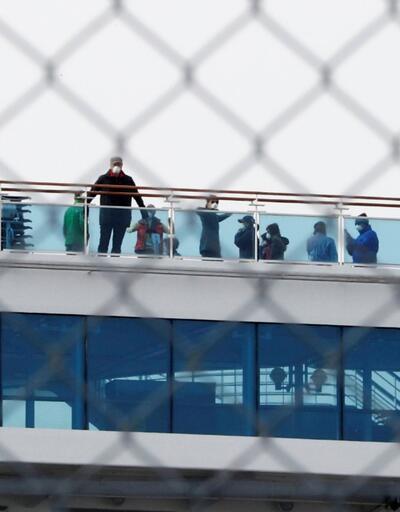 Japonya'daki karantina gemisinde 88 kişide daha virüse rastlandı