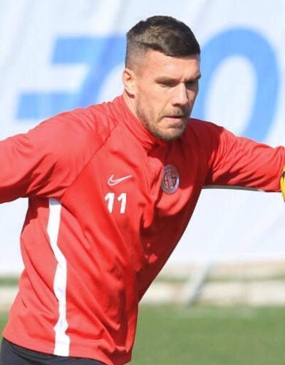 Lukas Podolski izin gününde çalıştı