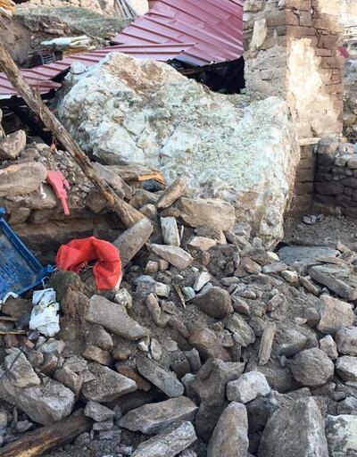 Müştemilata 10 tonluk kaya düştü