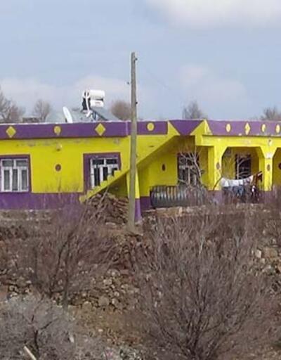 Fanatik gençler evlerini takımlarının renklerine boyadı