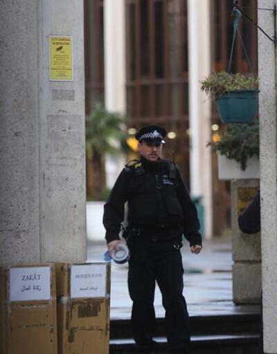 Camide dehşet saçmıştı! Londra'daki bıçaklı saldırgan tutuklandı