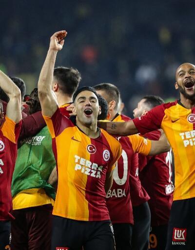 Kadıköy'de sevinç ve gözyaşı