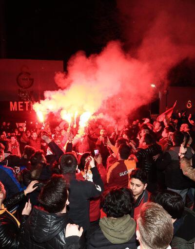 Florya'da Galatasaray'a coşkulu karşılama