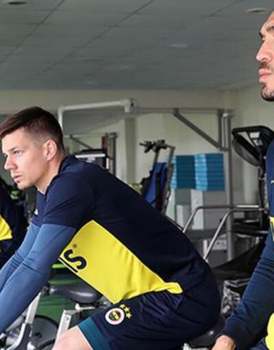 Fenerbahçe antrenmanında Ersun Yanal detayı
