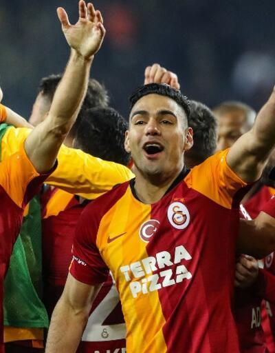 Galatasaray derbi formalarını satışa çıkardı
