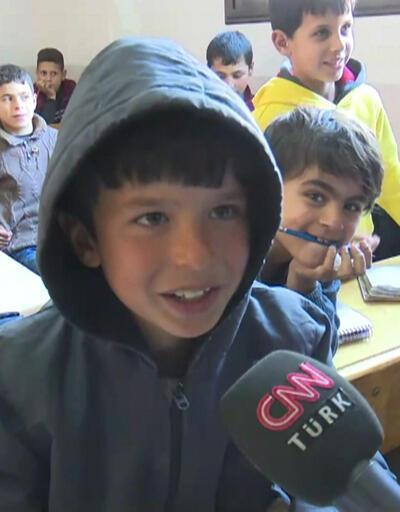 İdlib'deki savaş mağduru çocuklar eğitimlerine devam ediyorlar