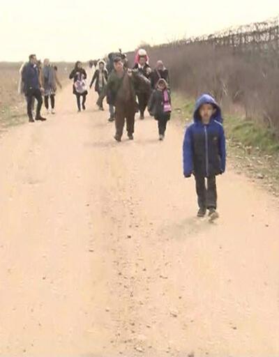 Yüzlerce göçmen Yunanistan sınırına yürüyor