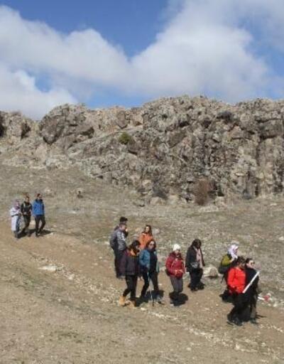 Beyşehirli doğaseverler, İdlib şehitleri için yürüdü