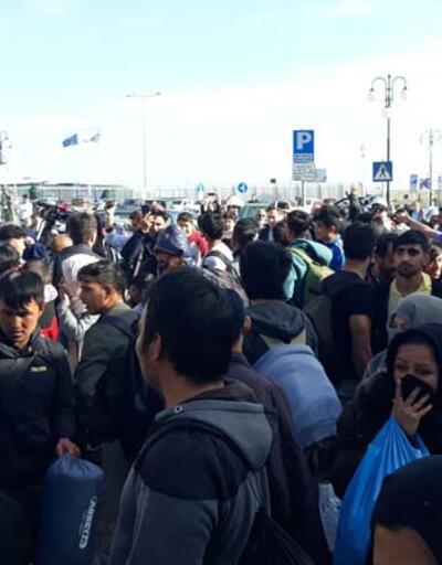 Göçmenler ile Yunan polisi arasında gerginlik!