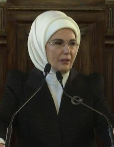 """Emine Erdoğan """"Milli Egemenliğin 100. Yılında Türk Kadını Özel Oturumu""""nda"""