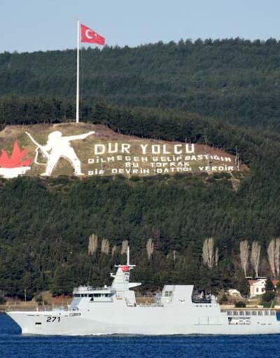 Çanakkale Boğazı'ndan geçti... Dikkat çeken Türk bayrağı detayı