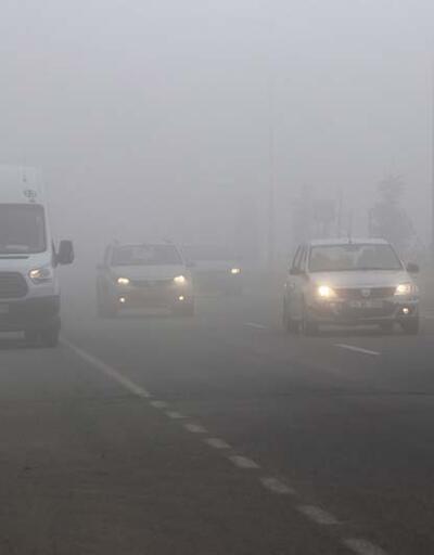 Yoğun sis sürücülere zor anlar yaşattı