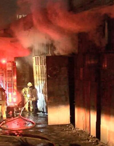 Zeytinburnu'nda işyerinde yangın