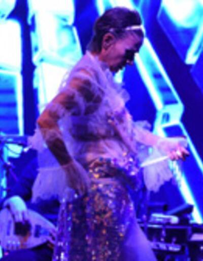 Yıldız Tilbe'nin elbise savaşı