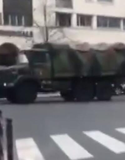 Paris'te askerler sokağa indi