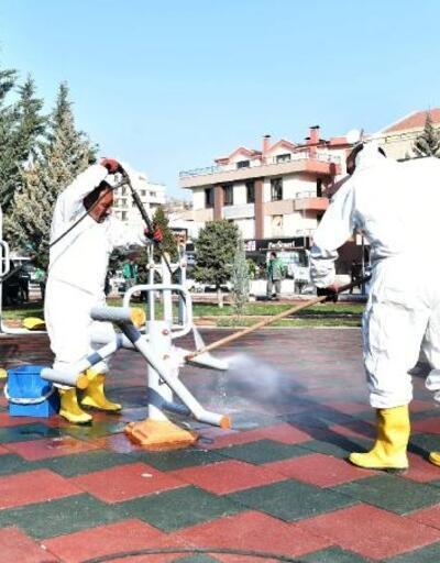 Mamak'taki parklarda dezenfekte çalışması