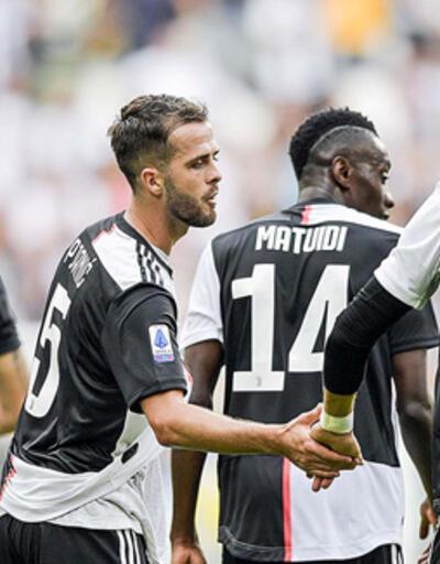 Juventus'ta bir futbolcunun daha test sonucu pozitif çıktı