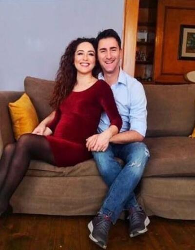Bekir Aksoy ikinci kez baba oldu... Güzel haberi bu fotoğrafla duyurdu!