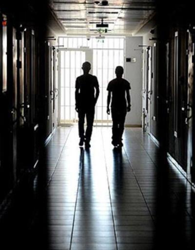 İran'da 10 bin mahkum için af çıkarıldı