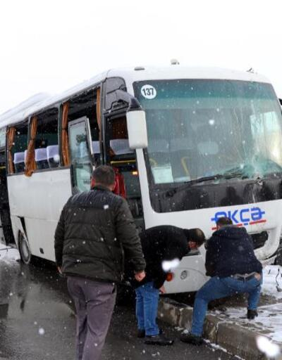 5 işçi servisi ile TIR çarpıştı: 18 yaralı