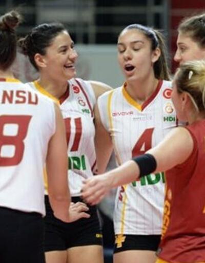 Galatasaraylı iki oyuncu ülkesine döndü