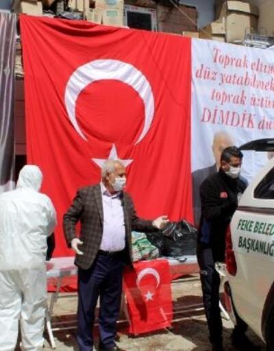 Dükkanlarını kapatan esnafa Feke Belediyesi'nden yardım eli