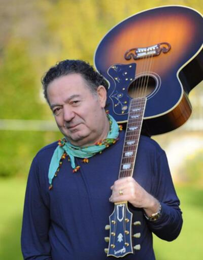 Türk pop müziğinin aşk dolu adamı' Kayahan ölümünün 5. yılında anılıyor
