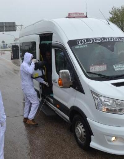 Kırıkhan'da araçlar dezenfekte edildi