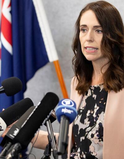 """Yeni Zelanda Başbakanı Ardern'den koronavirüs önlemlerine uymayanlara: """"En kibar tabirle aptallar"""""""