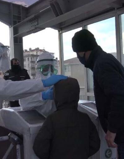 Hastaneye gidecek epilepsi hastası çocuk için metrobüste seferberlik