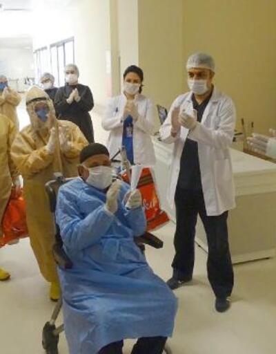 82 yaşındaki Bekir Karakaya koronavirüsü yendi