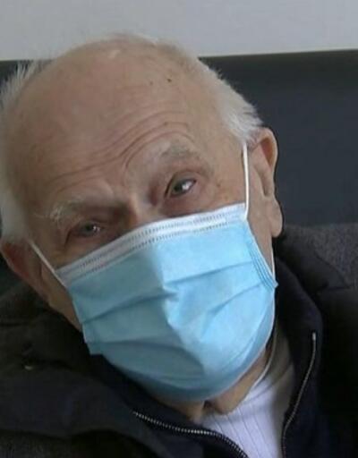 98 yaşındaki doktor işinin başında