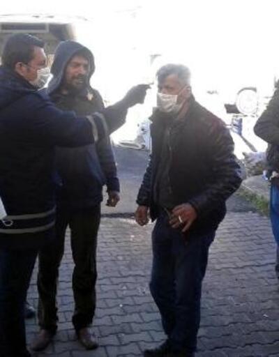 Polis ve zabıta ateş ölçtü, maske dağıttı