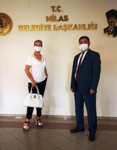 Gökova'ya yerleşen Seda Sayan'dan belediye başkanına ziyaret
