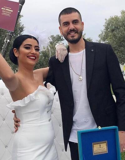 Hüsnü Şenlendirici İzmir'deki çiftliğinde oğlunu evlendirdi