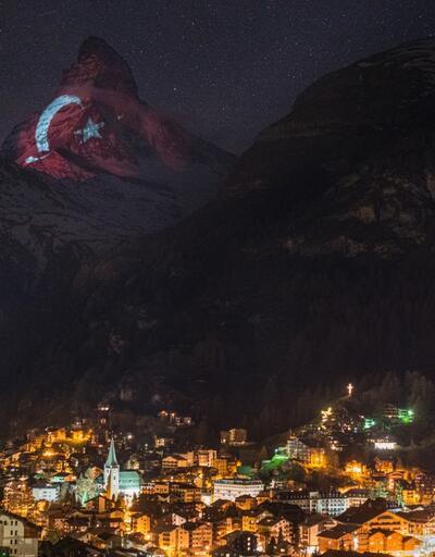 Türk bayrağı İsviçre Alpleri'nin zirvesinde